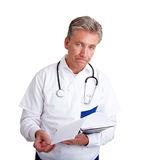 doutor-com-notícia-ruim-18406463